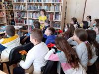 """Учениците изслушаха с интерес лекцията: """"Книгоиздаването от Гутенберг до наши дни"""""""