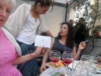 """Донка Димова (вдясно) – скромен дарител на """"Митичните птици"""""""