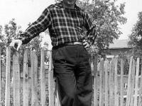 """Снимка, подарена от Андрей Германов на Йово Неделчев. На гърба на снимката е написано: """"На милия приятел Йовчо с благодарност за хубавите дни, прекарани по Камчията"""".  Подпис: Андрей Германов, юни '60, Варна"""