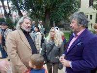 """Зам.-кметът по """"Здравеопазване"""" д-р Лорис Мануелян, и представителят на бургаската музикална общност – Захари Чернев"""