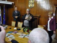 """Плакет """"Петко Росен"""", тази година бе присъдена на Николай Кадиев за книгата му """"Светлина от много далече"""""""
