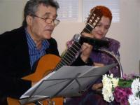 Бургаският бард Яким Якимов поздрави автора с изпълнение песни на Битълс