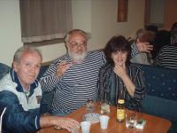 Киро Дженков сред приятели в Клуба на дейците на културата, Бургас, октомври 2005 г.