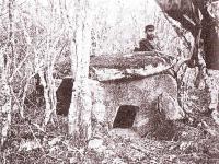 """Долмен """"Змейовата къща"""", 1901 г."""