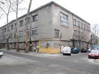 """Така изглежда сега старата, занемарена и неизползвана от години """"Немска болница"""" в Бургас"""