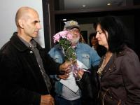Цветя и поздравления към автора от приятели и почитатели на поезията
