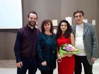 Таня Мир със Светлин Къров - изпълнител на главните роли във филмите по нейните книги, и със своите издатели