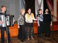 """Ветераните от Група за стари градски песни """"Реверанс"""" към Военен клуб – Айтос, с ръководител Величко Апостолов, също се включиха в музикалните поздрави"""
