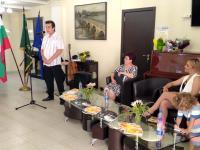 Издателят и редактор на книгите Денчо Михов - за творчеството на Таня Шомова