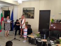 Таня Шомова сподели своите вълнения пред присъстващите и изрази своите благодарности към всички, отделили от времето си да уважат нейния празник
