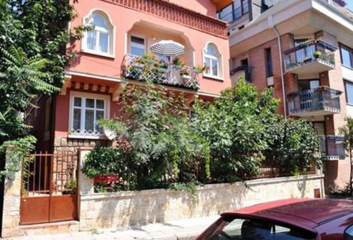 Къщата в Бургас, където е живял Ячо Кабаивански