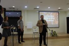 Зам.-кметът по Здравеопазване, социални дейности и спорт към Община Бургас д-р Лорис Мануелян откри Есенните литературни празници