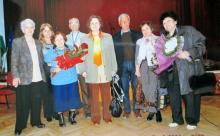 Отляво надясно: Петя Алексиева, Роза Воденичарова, Христина Стоева, Илия Стоев, Ганка Бабадалиева, Йово Неделчев, Румяна Вълчева, Лилия Семова